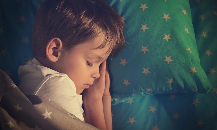 Slapend werken aan een zachte kinderhuid: zo doe je dat.