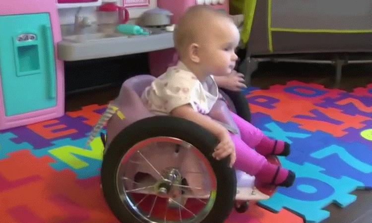 Inspirerend: moeder maakt een rolstoel voor haar dreumes