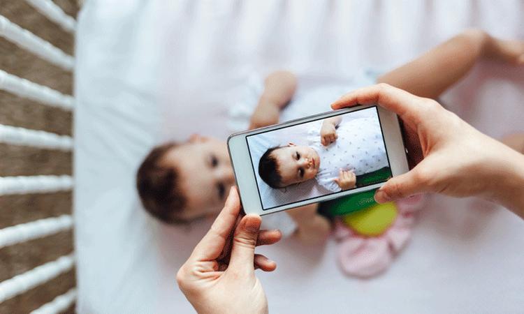 Foto's van je kind op social media: dit is wat je moet weten