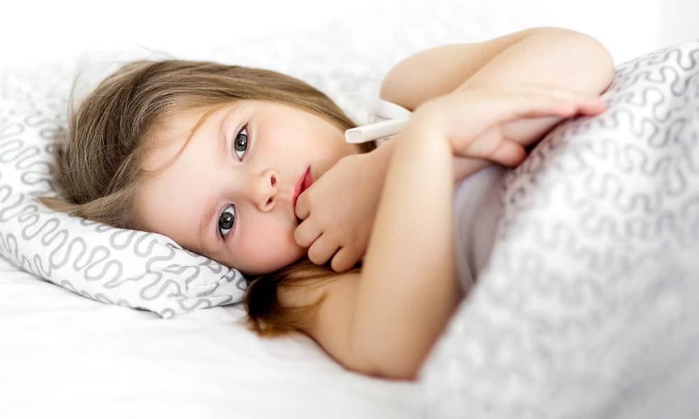 7c6a17eb64c Als je kind koorts heeft: wat kun je doen en wanneer is het ernstig?