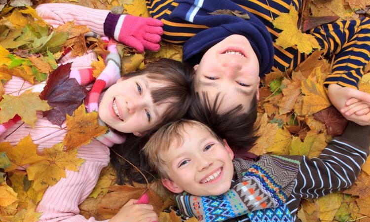 Streep deze herfst-bucketlist samen met je kind(eren) af!