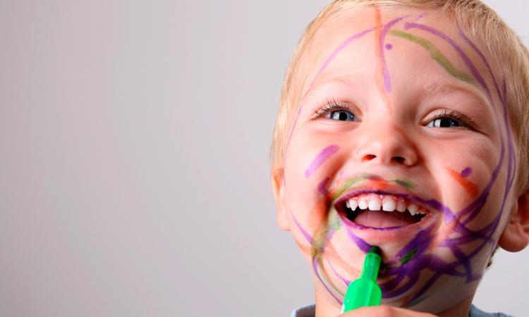 Buiten de lijntjes: 18 tekeningen van jullie kinderen
