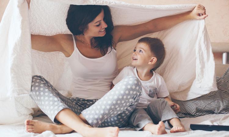 8 dingen waar ouders door de thuisisolatie eindelijk tijd voor hebben
