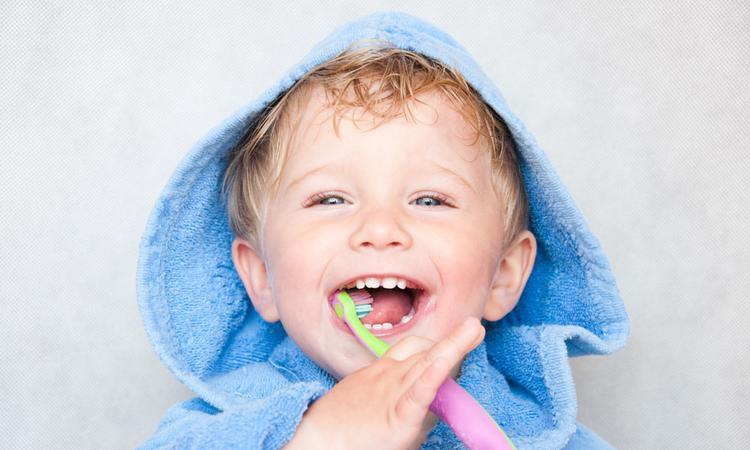 Tandenpoetsen zonder strijd? De Tandenpoes helpt!