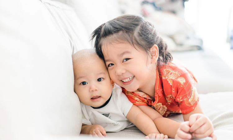 Onderzoek: jongste kind beïnvloedt hoe empathisch zijn grote broer of zus is