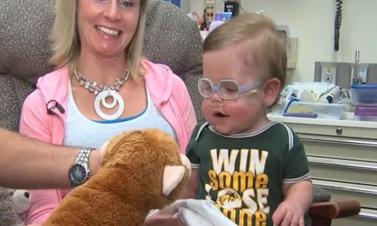 Baby verlaat ziekenhuis na 345 dagen