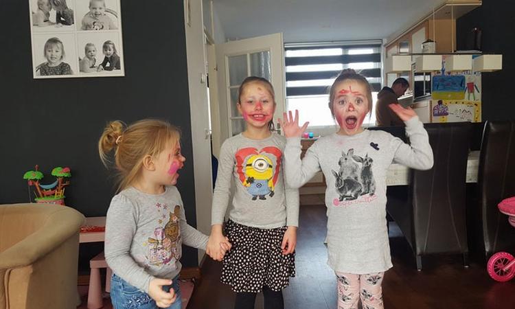 22x jullie kinderen in de make-up