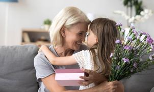 8 redenen waarom opa en oma een bloemetje verdienen