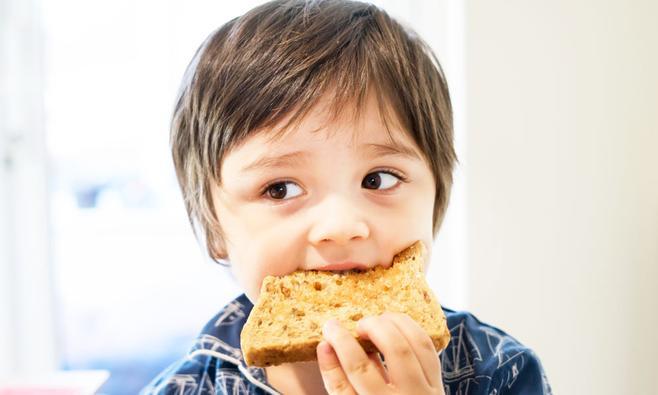 Waarom je kind vezelrijke voeding nodig heeft