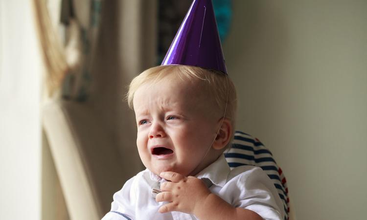 Waarom huilen kinderen soms op hun eigen verjaardagsfeestje?
