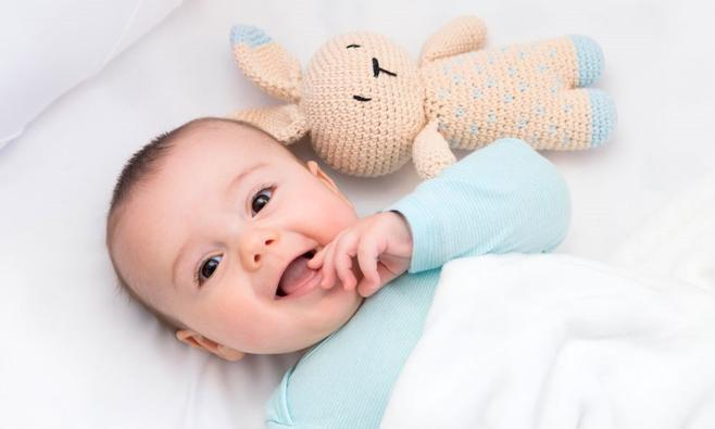 Baby slaapt niet overdag, wat kun je doen?