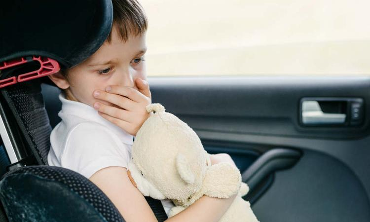 Is je kind wagenziek? Laat hem gamen achterin