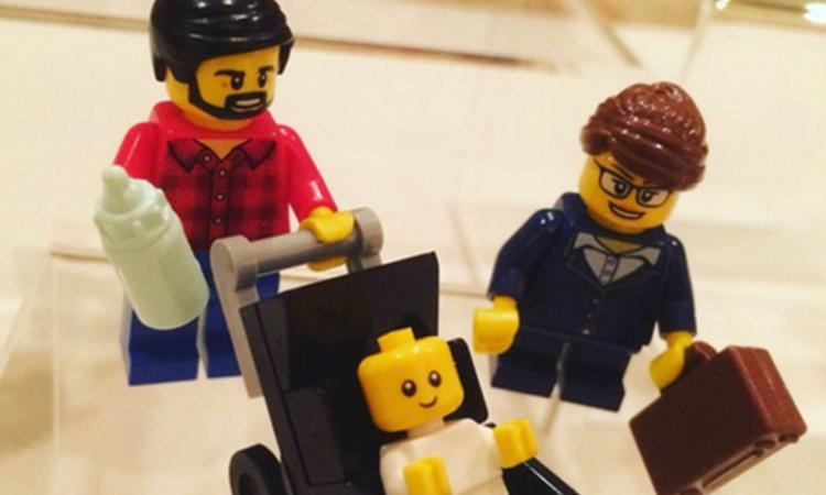 LEGO komt met een werkende moeder en huisvader