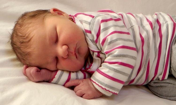 Bevallingsverhaal: 'De baby moet er voor het weekend uit'