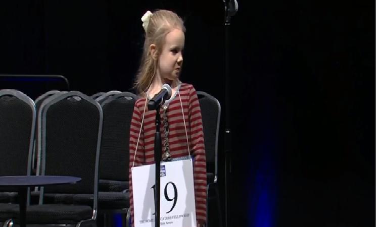 Dit 5-jarige meisje is een van de beste spellers van Amerika