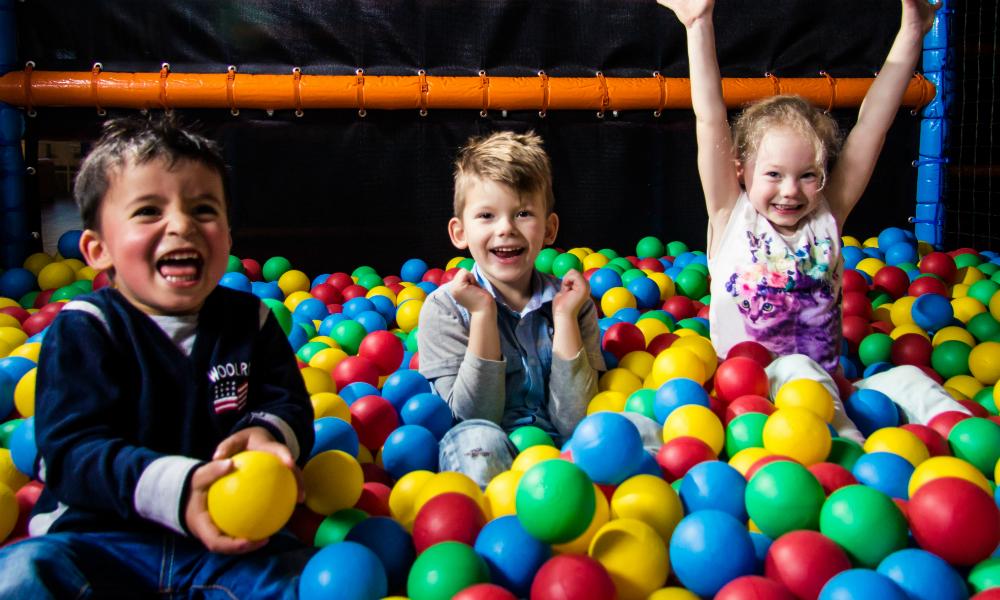 Kidsproof-uitje-binnenspeeltuin-heggies-speelschuur-def