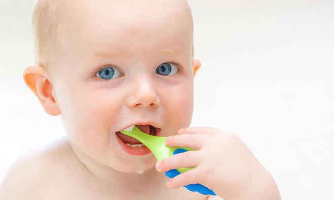 Tanden poetsen van je baby