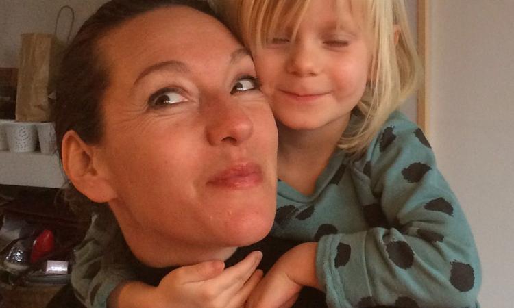 'Kanker, chemo, operatie… Hoe vertel ik dat mijn kleine blonde van vijf?'
