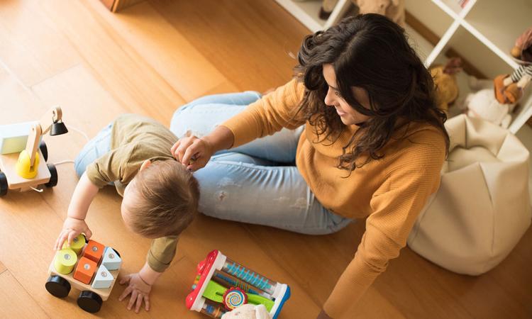 Zo hoeft je baby of peuter zich niet te vervelen tijdens de lockdown: tips van het kinderdagverblijf