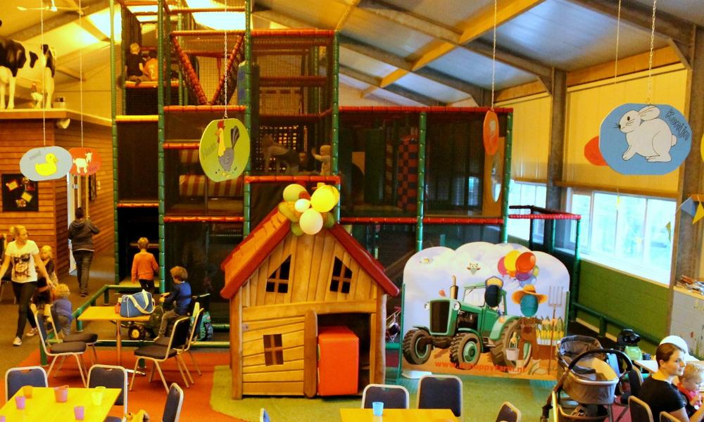 kidsproof-uitje-binnenspeeltuin-happyfarm-terschuur-def