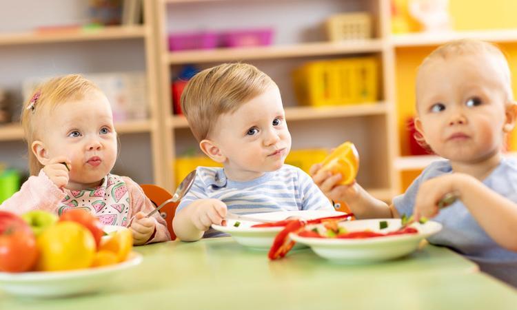 Je kind groente laten eten: zo pakken ze het aan op het kinderdagverblijf