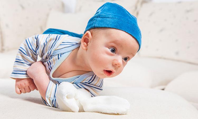 Wanneer leert je baby omrollen?