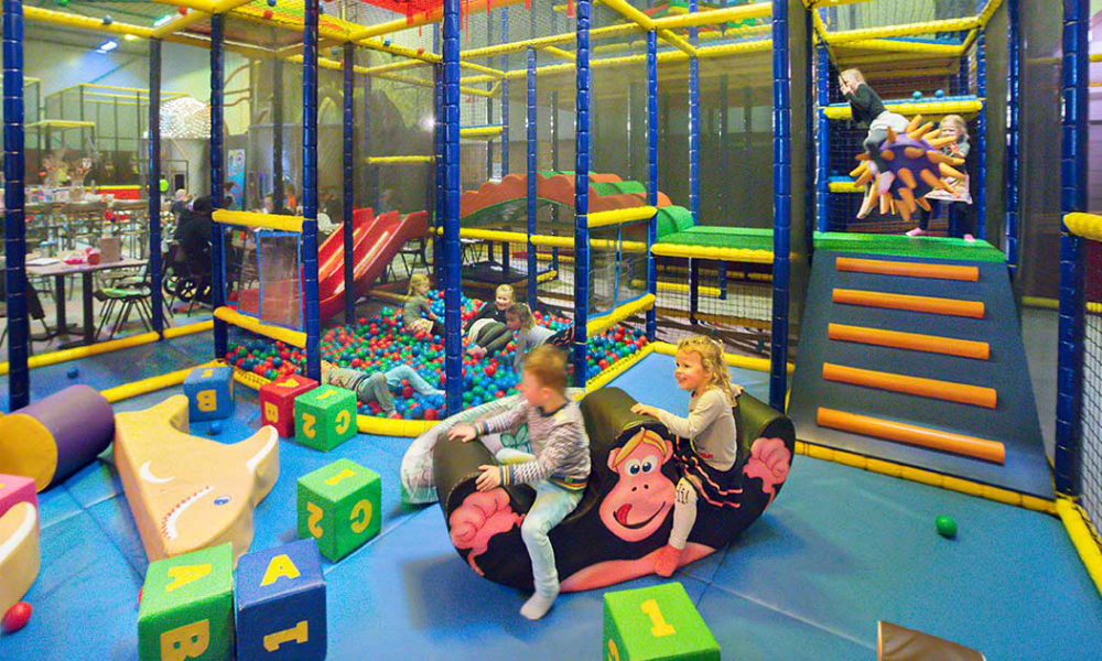 Kidsproof-uitje-binnenspeeltuin-pretfabriek-woerden-def