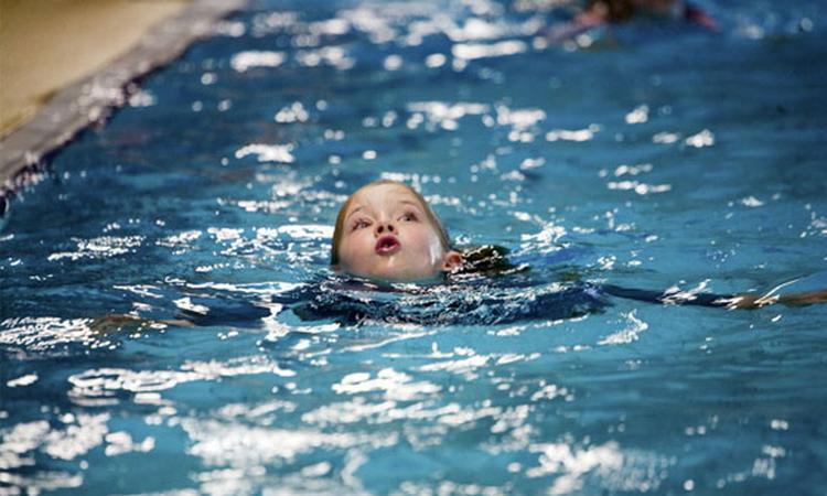 Kinderen vergeten zwemles heel snel