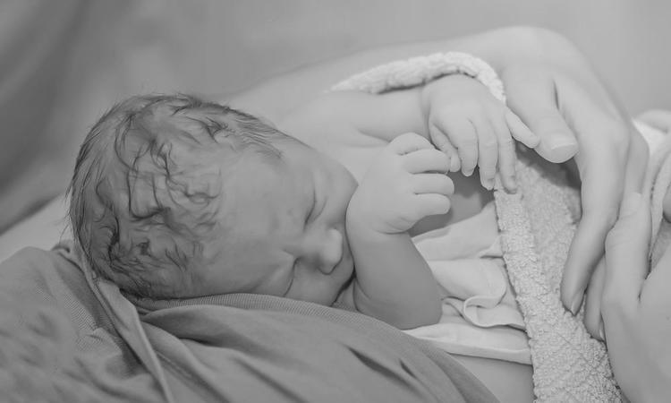 De geboorte van een nieuwjaarsbaby