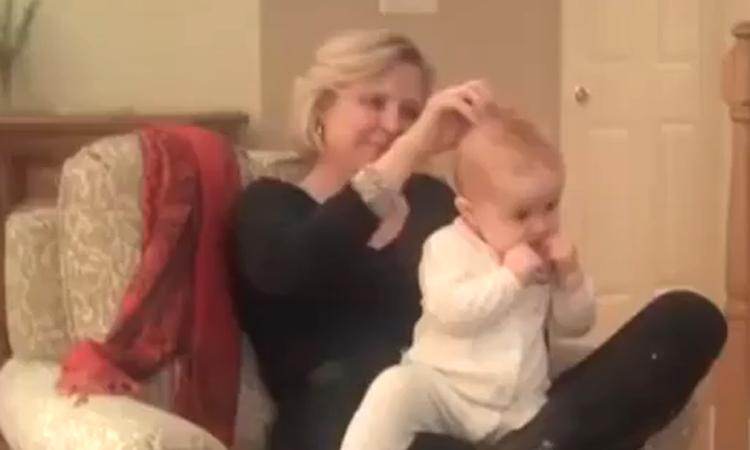Moeder krijgt baby binnen 1 minuut in slaap