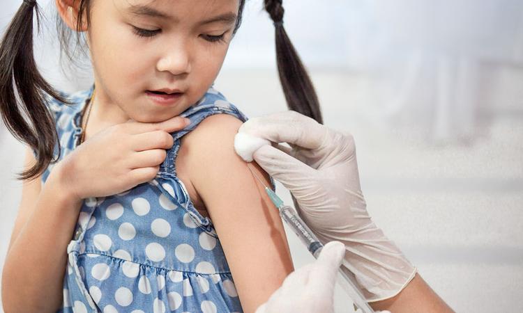 Stelling: alle kinderen in Nederland moeten een griepprik krijgen