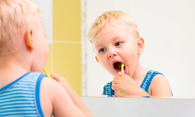 Tanden poetsen van je peuter