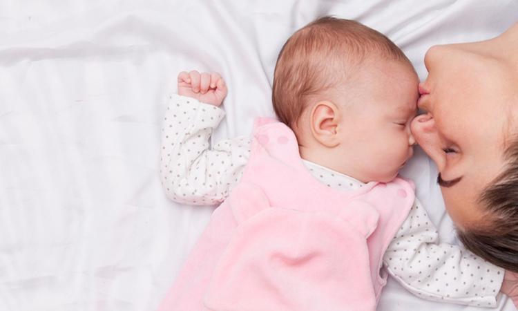 Dit is waarom een baby zo lekker ruikt