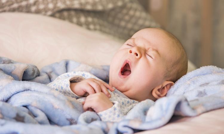 Nieuwe babyfoon waarschuwt ouders nog vóór hun baby wakker is