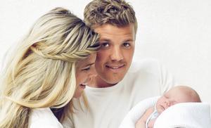 Kim Kötter en Jaap Reesema delen geboortevideo van zoon Muck