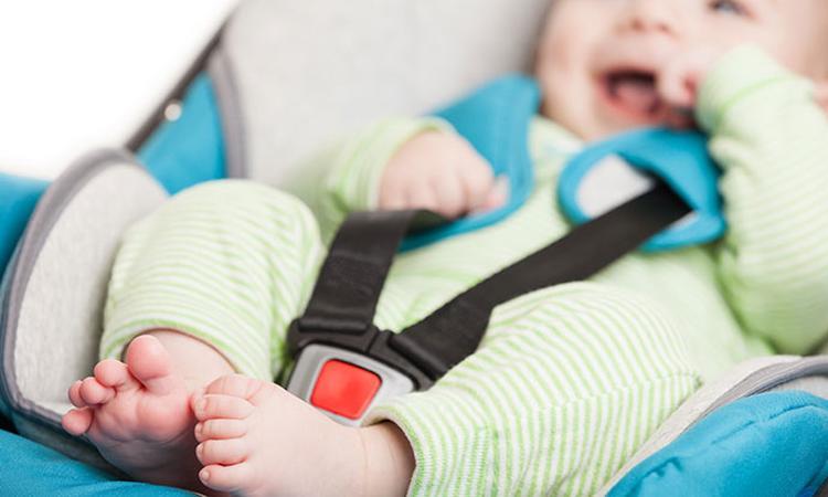 Hoe lang mag een baby in een Maxi-Cosi zitten?