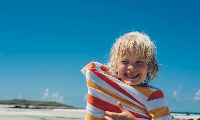 Hoe herken je een zonnesteek bij je kind?