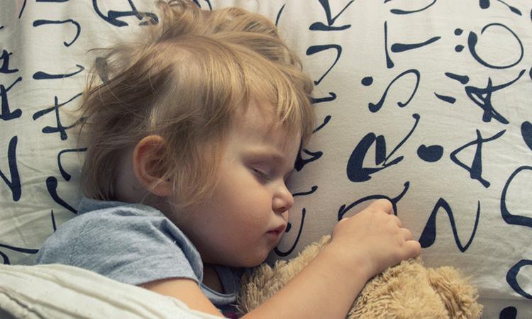 Zó bepaal je wat de beste bedtijd is voor je kind