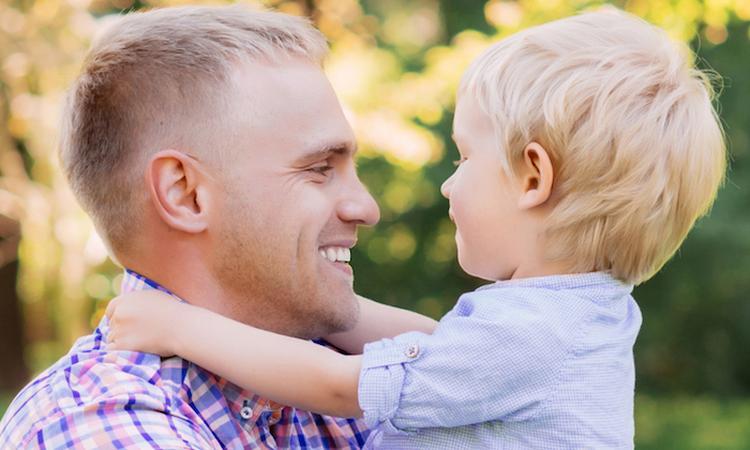 60% van de vrouwen vindt man aantrekkelijker sinds hij vader is