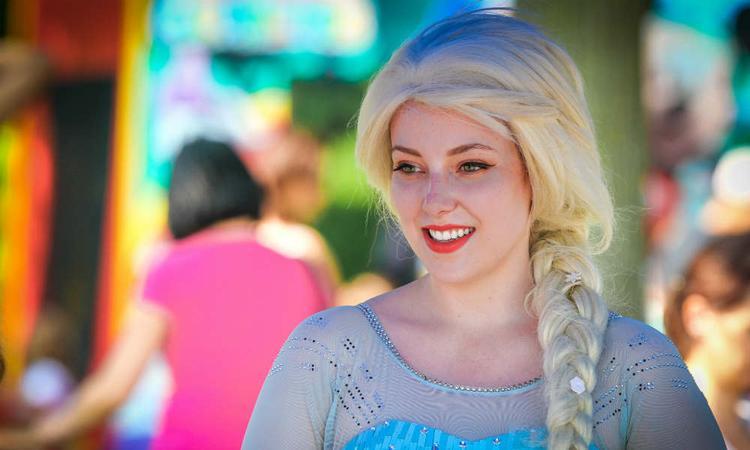 Altijd al een Disneyprinses willen zijn? Dan is dit misschien dé baan voor jou