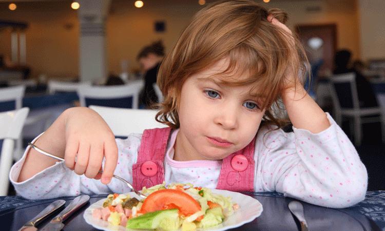 Je kind betalen voor het eten van groenten: helpt dat?