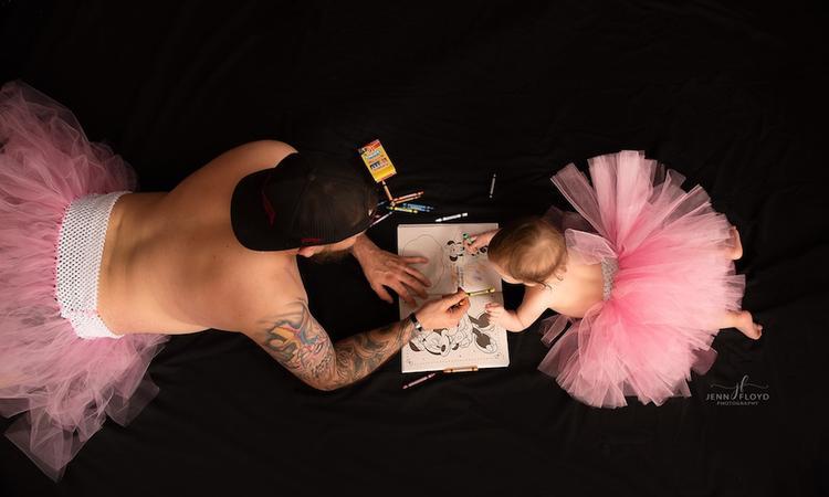 Echte liefde: vader doet fotoshoot met dochtertje... in tutu!