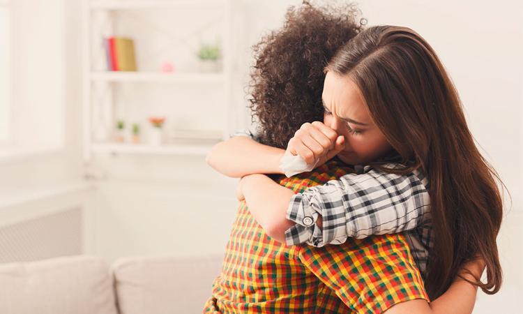 Wat kun je beter niet zeggen na een miskraam (en wat juist wel)
