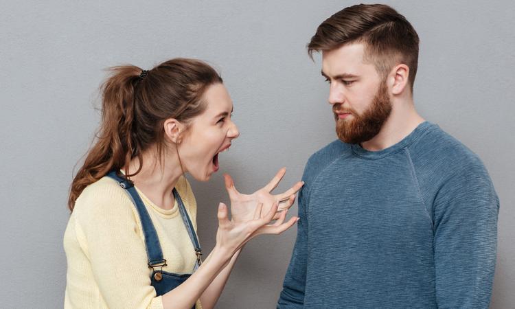 10 momenten waarop je je partner wel kunt schieten als je zwanger bent