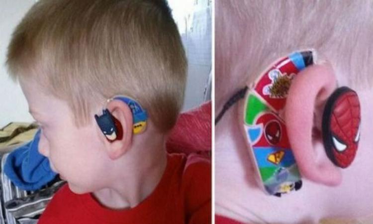 Moeder pimpt hoorapparaten voor kids